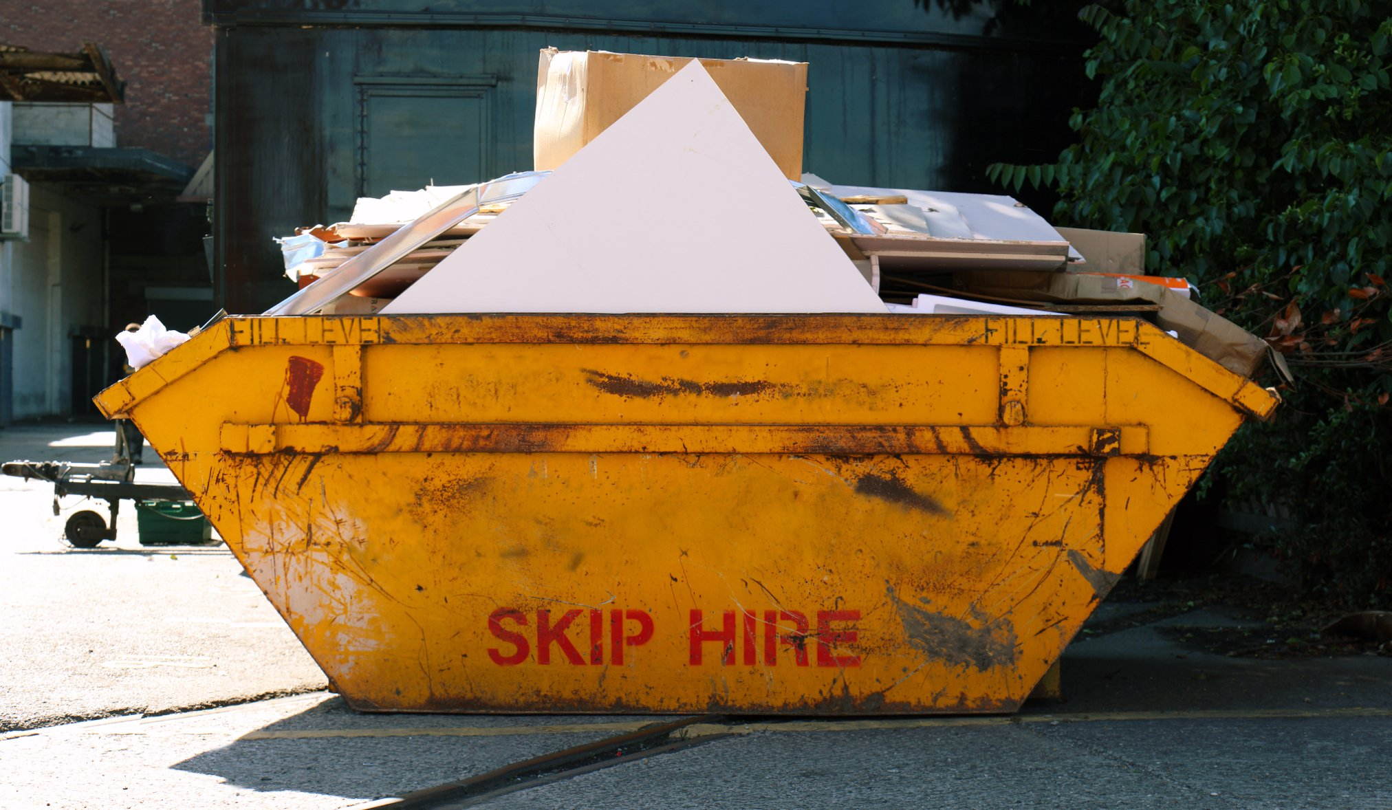 The 3 most important benefits of domestic skip hire you need to know!